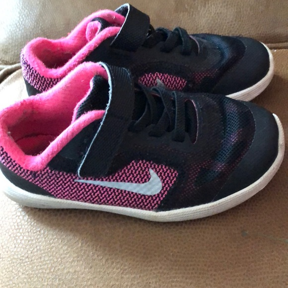 Nike toddler girls shoes size 9
